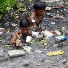 Filipinli çocuklar günlük 3 dolar için bu eziyeti çekiyor...