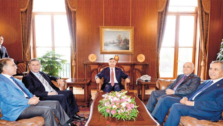 TBMM Başkanı İsmet Yılmaz eski Meclis Başkanları