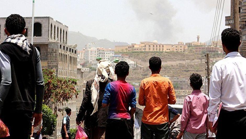 Yemen'in Aden şehrinde devam eden şiddet olaylarında 858 sivil hayatını kaybetti