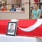 Polis cenazesinde şaşırtan '2 TL' mesajı