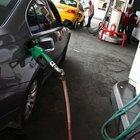 """""""Benzinin fiyatı 10 kuruş artmalı"""""""