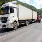 Zonguldak kamyon yol çalışmasında durdurulan TIR'a çarptı: 1 ölü