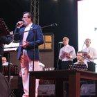 Mehmet Aslan kızı Özgecan için sahnede