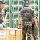 Fransa'da ordu üssünden fünye ve el bombası çalındı