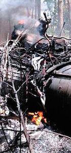 Küçük yolcu uçağı ile F-16 çarpıştı