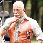 Cem Yılmaz yeni filmi 'Ali Baba ve 7 Cüceler' için kılıktan kılığa girdi