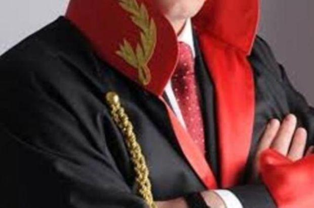 Dolandırıcı sahte hâkim, gerçek hâkim karşısında yakayı ele verdi