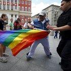 Rusya'da eşcinsellere karşı bayrak