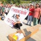 Bartın'da işçiler madene girmeme eylemi yapıyor