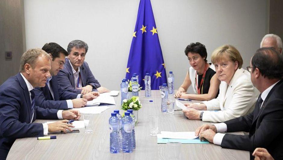 Yunanistan'ı askıya almak istiyorlar!
