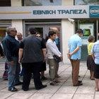 Yunanistan'da bankalar iki gün daha...