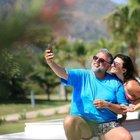 Hamdi Alkan ve Selen Görgüzel'den tatil selfiesi
