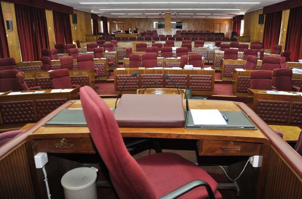 KKTC'de yeni kabine, Cumhuriyetçi Türk Partisi Birleşik Güçler Milletvekili Ömer Kalyoncu tarafından KKTC Cumhurbaşkanı Mustafa Akıncı'ya sunuldu