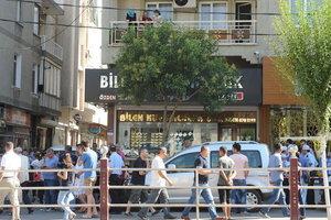 Eski Özel Harekat polisi kuyumcu babasını öldürdü: Kuyumcu babasını işyerinde öldürdü