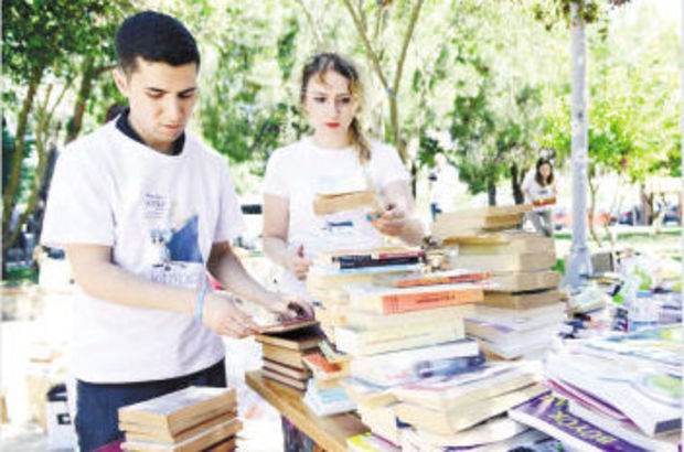 Kadıköy'den 26 bin kitap yola çıktı