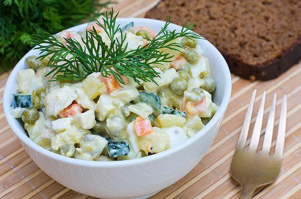 Amerikan salatası tarifi, Amerikan salatası nasıl yapılır? Amerikan salatası malzemeleri