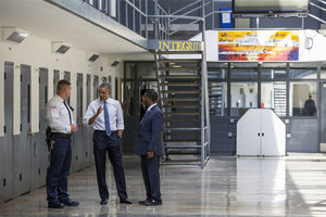 ABD Başkanı Barack Obama hapise girdi