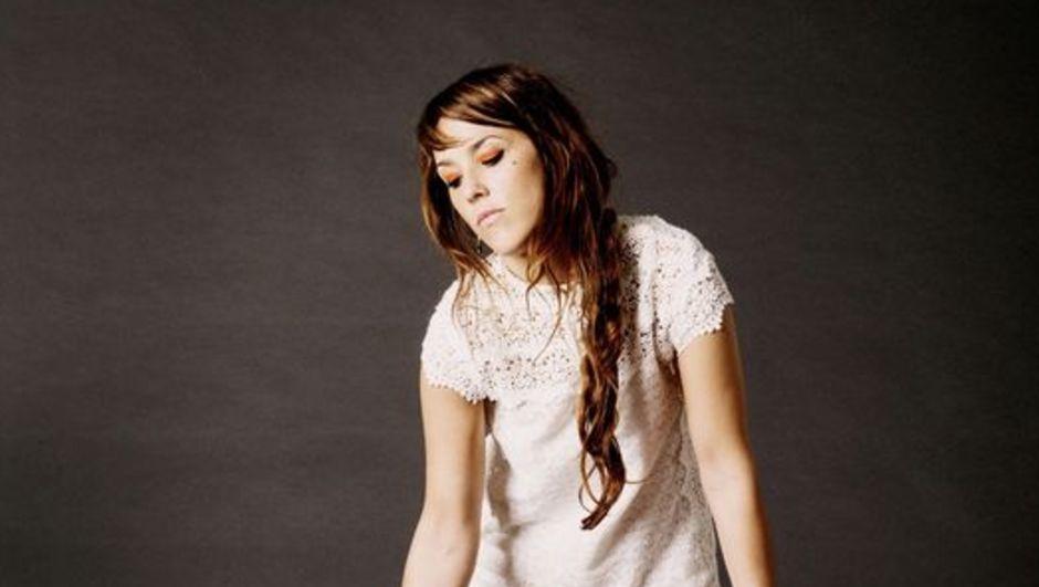 Ece Ulusum haberleri, Fransız şarkıcı Zaz