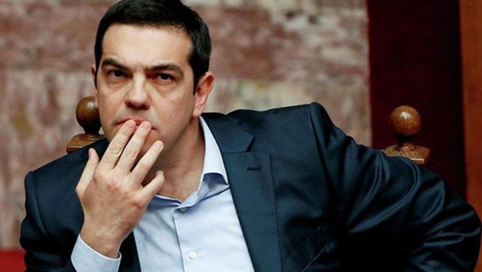 Yunanistan Başbakanı Aleksis Çipras, kreditörlerin talep ettiği reform paketiyle ilgili mecliste yapılan oylamada SYRIZA'lı 38 milletvekilinin 'hayır' oyu kullanmasının ardından SYRIZA-ANEL koalisyon hükümeti kabinesinde değişiklik yaptı