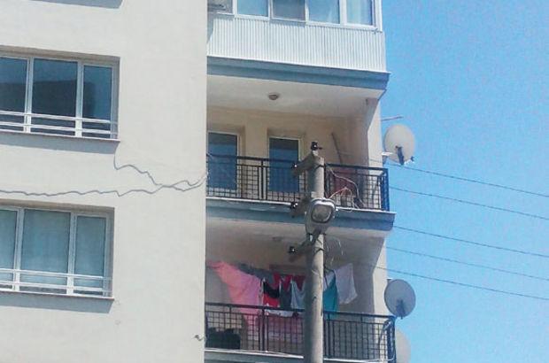 Birinin kocası balkondan attı, diğer koca kurtardı