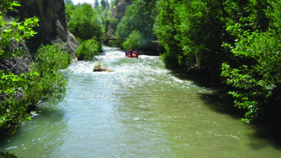 Malatya'da çayda balık tutan 2 arkadaş boğuldu