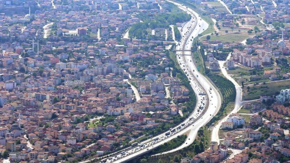 Tatil dönüşü trafik sürücü önlem Topçular Eskihisar TEM Yalova Kocaeli