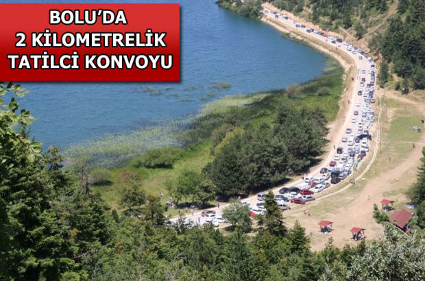 Abant Tabiat Parkı önünde 2 kilometrelik tatilci konvoyu