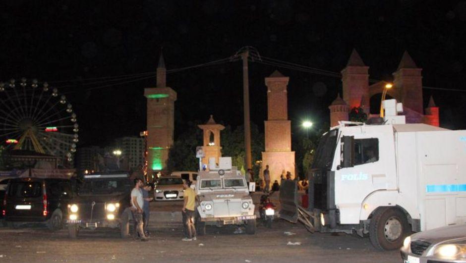 Diyarbakır, eğlence merkezi, kavga, gözaltı