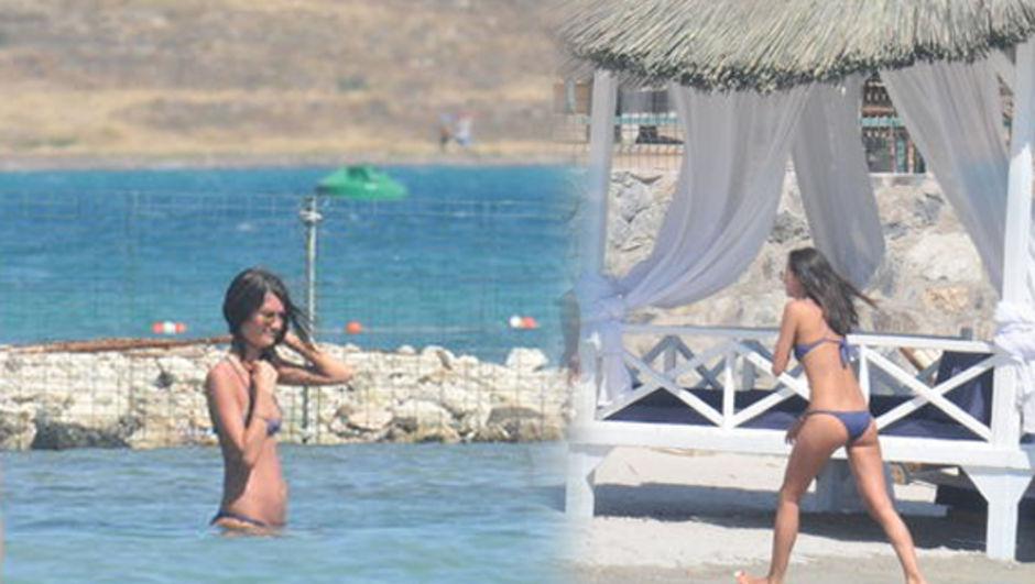 Yasemin Özilhan çeşmede tatilde
