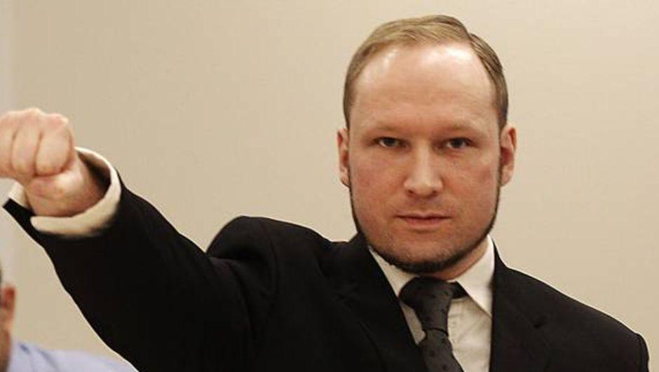 2011 yılında 77 kişiyi öldüren Norveçli Anders Behring Breivik, Oslo Üniversitesi Siyaset Bilimi bölümüne kabul edildi