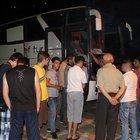 Diyarbakır'da teröristler öğrencileri taşıyan otobüsün yolunu kesti