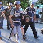 Eskişehir'de,  Anarşi İnisiyatifi grubuna polis müdahalesi