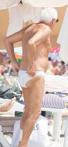 Giorgio Armani beyazdan vazgeçmiyor