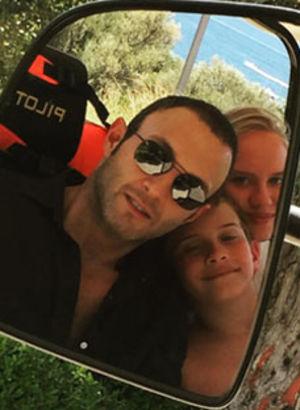Yeğenleriyle tatilde...