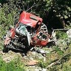 Şemdinli'de kamyon uçuruma yuvarlandı: 6 yaralı