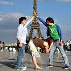 Turistlerin anlamsız hareketleri