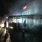 Terör örgütü yandaşları Ataşehir'de özel halk otobüsü yakıldı