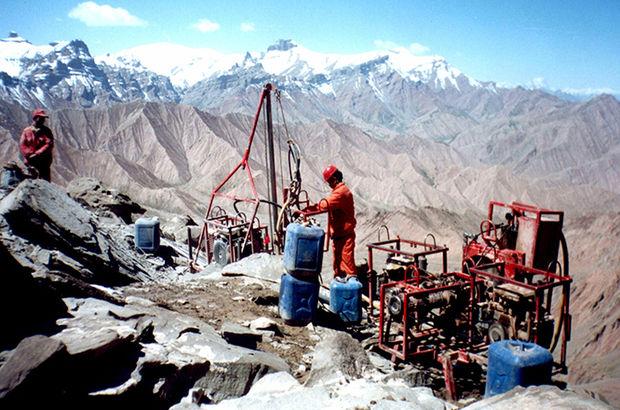 Doğu Türkistan'da, yerkürenin okyanuslara en uzak kara parçasının altında, denizi andıran devasa bir tuzlu su kütlesi keşfedildi