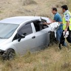 Rüzgar, otomobili şarampole savurdu: 4 Yaralı