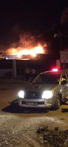 Hatay'ın Reyhanlı ilçesindeki İHH deposunda yangın!