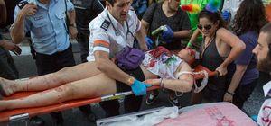 Eşcinsel yürüyüşünde bıçaklı saldırı: 6 yaralı