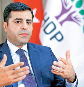 HDP Eş Genel Başkanı Selahattin Demirtaş, hükümetin karşılıklı olarak savaş haline son verilmesi çağrısı yapması gerektiğini, PKK'nın da buna olumlu yanıt vermesini istedi