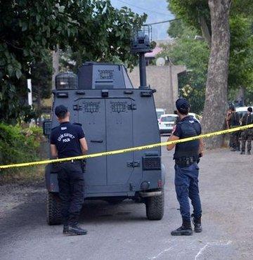 Çıkan çatışma sonrasında saldırıyı düzenleyen 2 terörist ölü ele geçirildi