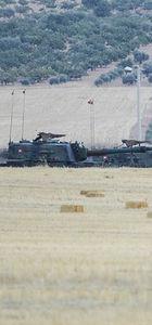 Türk obüsleri, sınırda tank yerleştiren IŞİD'i vurdu