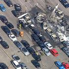 İngiltere'de araba pazarına uçak düştü