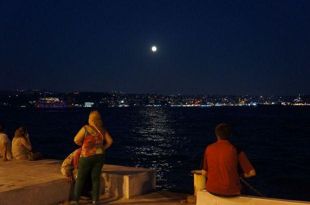 İstanbullular 'mavi ay'ı bekledi ama...