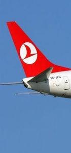 THY uçağının Atina'da lastiği patladı