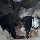 Beşşar Esad güçleri Halep'e varil bombası yağdırdı