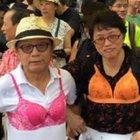 Hong Kong'da sütyenli protesto