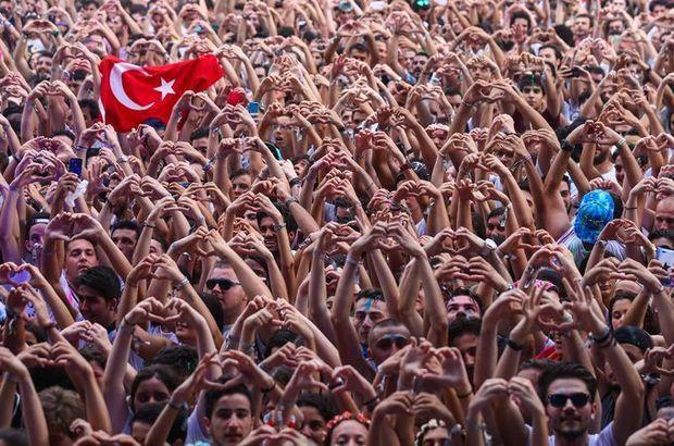 İstanbul renklendi